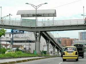 """Uno de los sectores que la gente ha señalado como """"de los más inseguros"""" es el puente de Cañaveral oriental. Según habitantes de la zona """"casi a diario se presentan robos en ese lugar""""."""