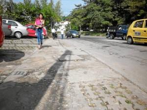 """Otro sector que los habitantes también calificaron como """"peligroso"""" es el rededor del parque La Pera y la parroquia Santa María Reina."""