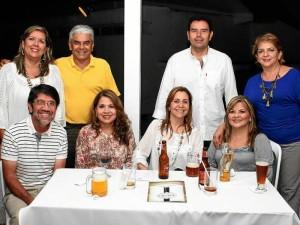 Ana Beatriz Rey, Óscar Manjarrez, Javier Rey, María Del Pilar Rodríguez, Álvaro Rey, Tina Ardila, Sara Vera y Elizabeth Rueda.