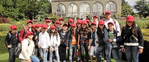 Regresaron de Inglaterra los niños del New Cambridge School