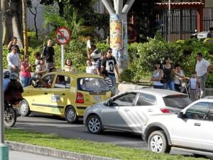 """""""Solicitamos con urgencia que la Dirección de Tránsito reconsidere por lo menos dos paradas de bus en este tramo"""". ( Foto de Archivo)"""