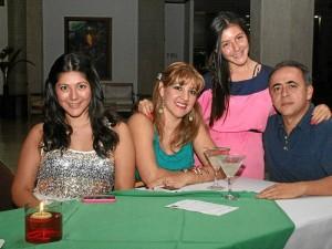 Daniela Chacón, Katherine Robayo, José Chacón y Natalia Chacón.