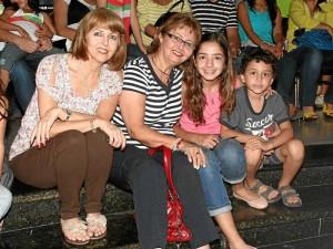 Nidia Rincón, Clarita de Mestre, Valentina Díaz y Santiago Díaz. ( Foto Mauricio Betancourt )