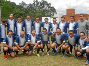 El equipo del colegio Panamericano tiene en sus filas a Óscar Córdoba (cuarto de pie) y Eusebio Vera Lima (sexto incado). ( Foto Jaime Del Río )