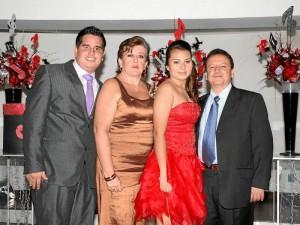 Gabriel Eduardo Ramírez Gutiérrez, Sofía Gutiérrez de Ramírez, Sofía Juliana Ramírez Gutiérrez celebró y Jorge Eduardo Ramírez Amaya. ( Foto Mauricio Betancourt )