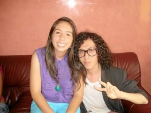 Aquí Enrique aparece con una de sus amigas, Laura Rengifo, también seguidora de su blog.