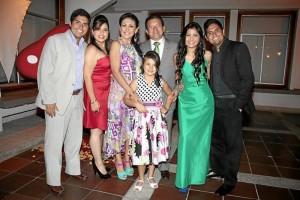 Juan Camilo Moreno, Melissa Moreno, Sonia Villamizar, Reynaldo Moreno, María Lucía Moreno, Sonia Arenas Villamizar y Andrés Moreno.