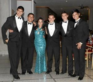 Juan Camilo Jaimes, Luis Miguel Martínez, Carolina Chaparro, Juan Guillermo Prado, Alberto Guarín y Juan Felipe Zárate.