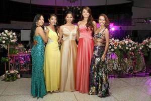 Carolina Chaparro, Carolina Quevedo, Catalina Gómez, Camila Murcia y Juliana Alvernia.