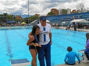 Paula Andrea acompañada de su feliz entrenador Nelson Correa. Suministrada / GENTE DE CAÑAVERAL