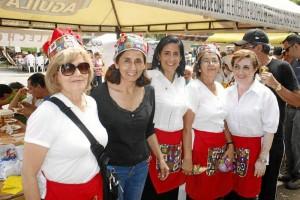 Leonilde Cediel, Alba Aguirre, Celia Jiménez, Inés Murillo y Luz Marina Carvajal.