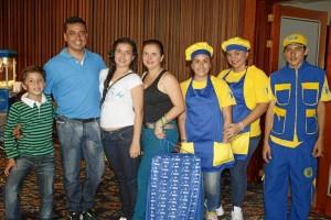 David Alvarado, Arul Alvarado, Mary Daniela Alvarado, Mary Isabel Carreño, Karol Melissa Gómez, Claudia Leal y David Espíndola.