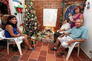 En la fotografía aparecen Yolanda Quintero, Delia Barrera de Quintero, Marco Aurelio Quintero y Sonia Quintero Barrera. El esposo de Yolanda, Gerardo Gómez Niño, no pudo estar este día por compromisos laborales.