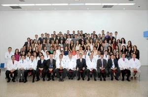 Estos fueron los asistentes de la Séptima Versión del Curso Internacional de Oftalmo-logía celebrado en el Centro Médico Carlos Ardila Lülle.