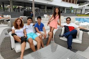 Liliana María Pérez, Daniel Vecino, Nicolás Vecino, María Natalia Vecino y Carlos Vecino. (Foto por Mauricio Betancourt).