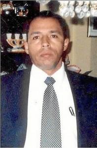 Xander Torres Lotero es uno de los secuestrados inspiradores de esta campaña, lleva secuestrado cinco años y sus familiares aún no reciben noticias de él. Si quiere vincularse ingrese al perfil de Facebook Yo adopto a Xander Torres Lotero.