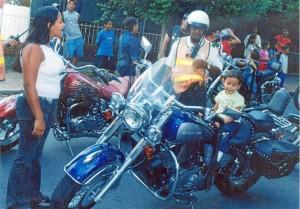 Mario durante sus inicios en la Dirección de Tránsito de Floridablanca. Suministrada / GENTE DE CAÑAVERAL