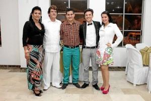 Nancy Lucrecia Prato Ramírez, Luis Emiro Bueno Jaime, Luis Emiro Bueno Prato, Carlos José Bueno y Karina Gallardo.