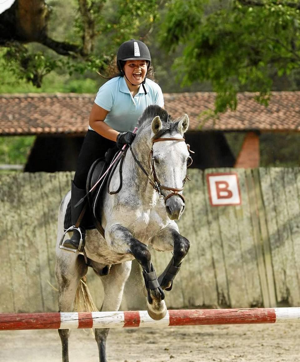 """""""La gente se asusta cuando se le habla de montarse a un caballo y no ha habido mucho apoyo por eso, pero hasta donde se pueda y se quiera seguiremos"""". César Flórez / GENTE DE CAÑAVERAL"""