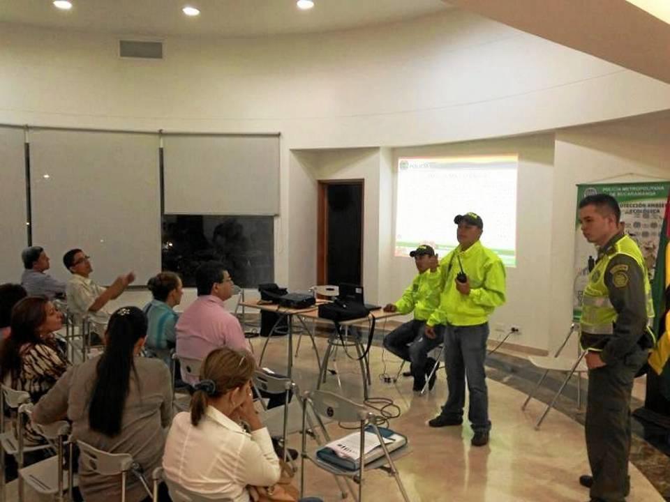 La reunión entre Policía Nacional, Dirección de Tránsito y Transporte de Floridablanca, Alcaldía Municipal, administradores y jefes de seguridad duró cerca de dos horas y media.