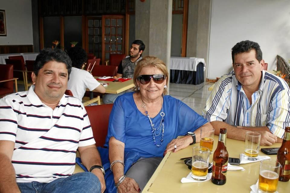 Juan Manuel Rey, Graciela Román y Álvaro Rey.