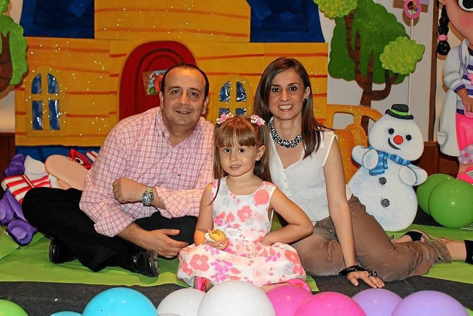 Gustavo García, María José García González y Ana María González Londoño.
