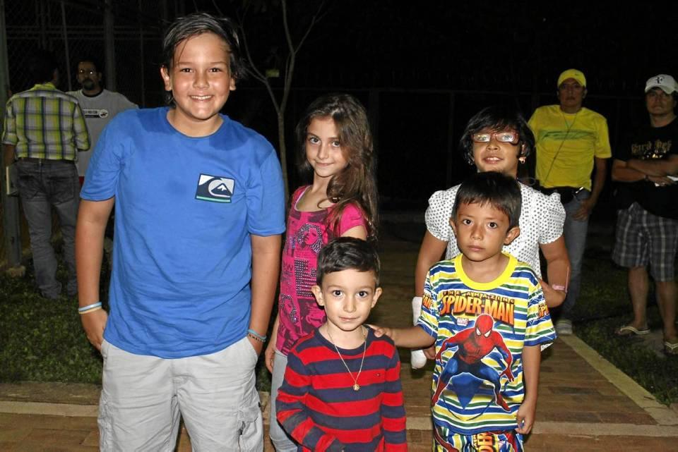 Leonardo Pineda, Laura Herrera, Juan David Herrera, Juan Felipe Hernández y Lina Cubillos.
