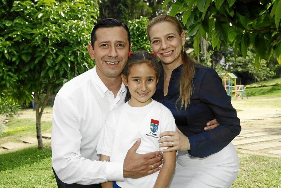 Juan Carlos Prada, Leticia Prada Landinez y Viviana Landinez.