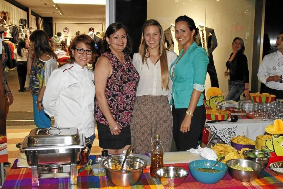 Alejandra Rosso, Patricia Zarruck, Camila Dimarco y JassibeGandur.