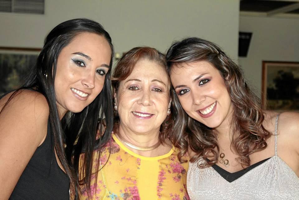 . En la foto María GAbriela Ruiz de Hernández, Ludyn Castro y María Juliana Hernández Castro.