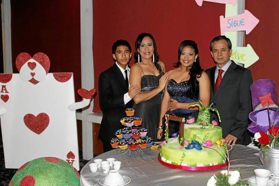 Diego Andrés Dulcey, Adriana María Ayala, Andrea Sofía DulceyAyala y Luis Francisco Dulcey.