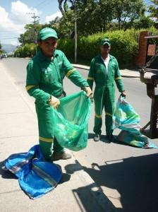 La oficina del área metropolitana abrió la convocatoria para que los recicladores informales se integren a cooperativas de reciclaje existentes. - Imagen de internet / GENTE DE CAÑAVERAL