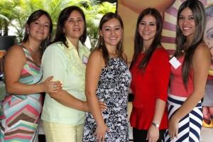 Jenny Acuña, Nelly Merchán, Carolina Acuña, Lizbeth Acuña y Nataly Acuña. - Nelson Diaz / GENTE DE CAÑAVERAL