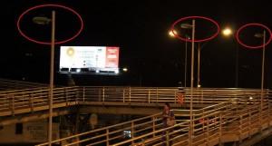 Así permanecen las estaciones de Molinos y Payador desde hace varios meses porque un grupo de personas robaron el cable de la electricidad que permitía el funcionamiento de las luminarias. - Archivo / GENTE DE CAÑAVERAL