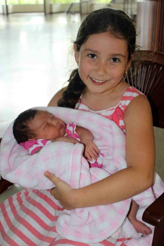 Maria Gabriela Mejía Arenas posó junto a su hermanita María José Mejía Arenas. - Mauricio Betancourt / GENTE DE CAÑAVERAL