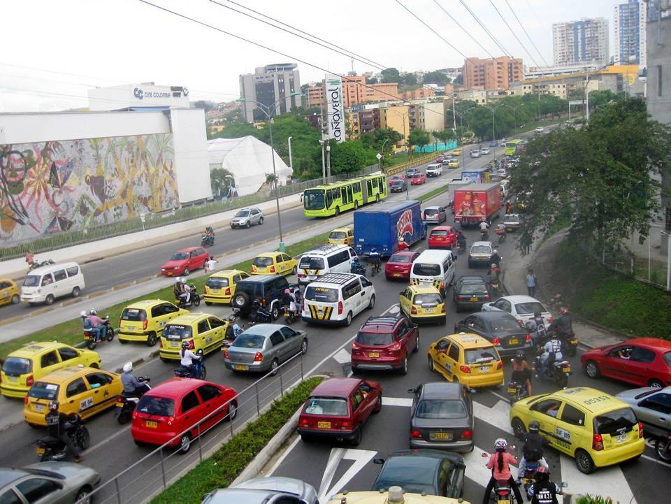 El tránsito lento sigue todas las mañanas en Cañaveral, los habitantes del sur del área metropolitana esperan soluciones. / GENTE DE CAÑAVERAL