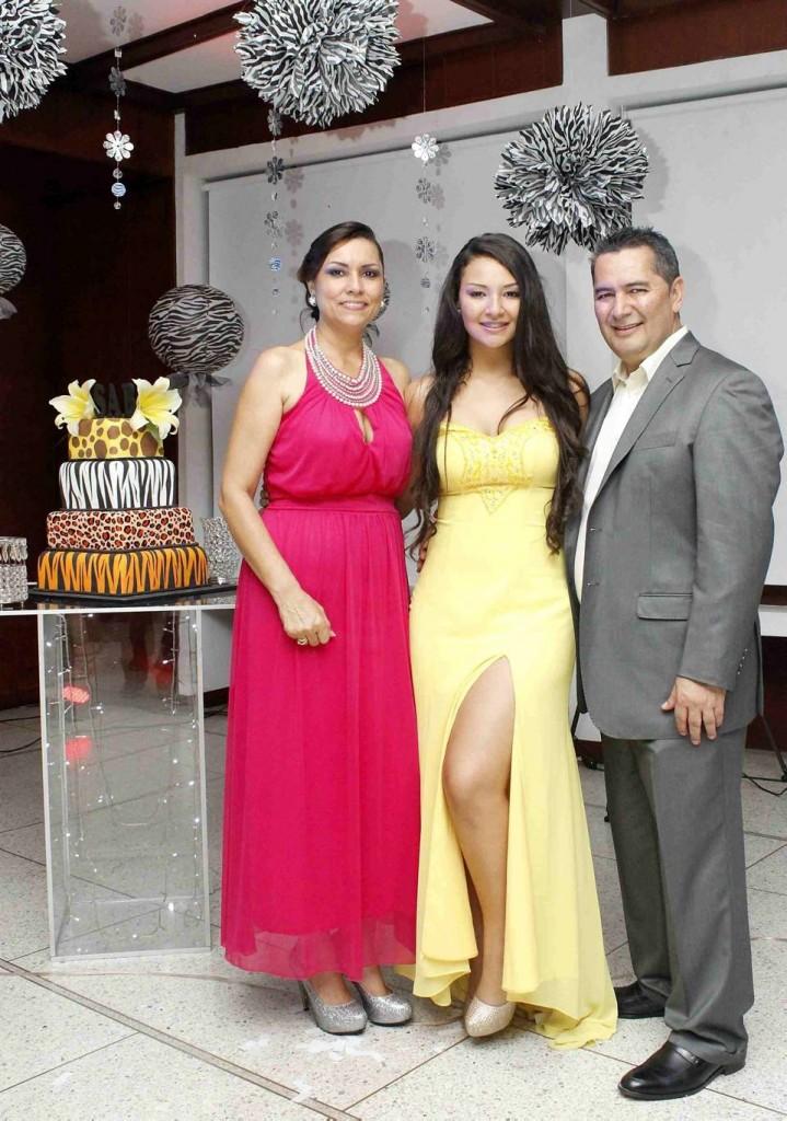 Carmen Alicia Buitrago, Silvia Catalina y José Luis Alarcón. - Mauricio Betancourt /GENTE DE CAÑAVERAL