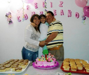 Nelly Torres Díaz, Saray Cáceres Torres y Hugo Cáceres. - Imagen Suministrada /GENTE DE CAÑAVERAL