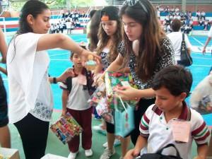 Los niño de la escuela El Dorado estuvieron en la FCUIS compartiendo con los estudiantes.  - Imagen suministrada /GENTE DE CAÑAVERAL