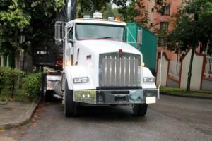 Los automotores de carga pesada tienen molestos a varios habitantes de algunos conjuntos residenciales de Cañaveral.  - Imagen suministrada/ GENTE DE  CAÑAVERAL