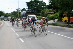 Los ciclistas de Cañaveral y sus alrededores se quejan de la inseguridad en Ruitoque, sobre la vereda Acapulco donde entrenan los fines de semana. - Imagen Archico /GENTE DE CAÑAVERAL