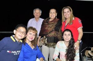 Pablo Emilio Galvis, Luz Marina Pérez, Alice Lucy Galvis, Juan David Velazco, Elsa Yolanda Galvis, Daniela Galvis. - Laura Herrera/GENTE DE CAÑAVERAL