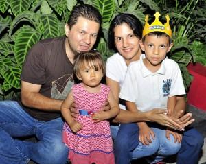 Nelson Rodríguez Contreras, María Catalina Rodríguez Hurtado, María Fernanda Hurtado Echeverri, Andrés Camilo Gómez.  - Fotos: Laura Herrera/GENTE DE CAÑAVERAL