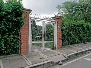 Evidentemente hay un deterioro de las mallas y puertas del parque Versalles. - / GENTE DE CAÑAVERAL