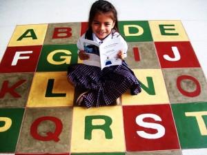 La pequeña  dice que le encanta leer y que esa es la clave de su amor por la escritura.  - Suministrada/GENTE DE CAÑAVERAL