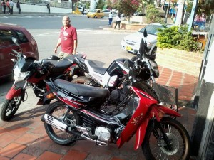 Suministrada /GENTE DE caÑAVERALEstas son algunas de las motos en los andenes.