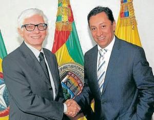 El embajador de Francia en Colombia, Jean-Marc Laforêt y el alcalde de Bucaramanga, Luis Francisco Bohórquez. - Suministrada /GENTE DE CABECERA