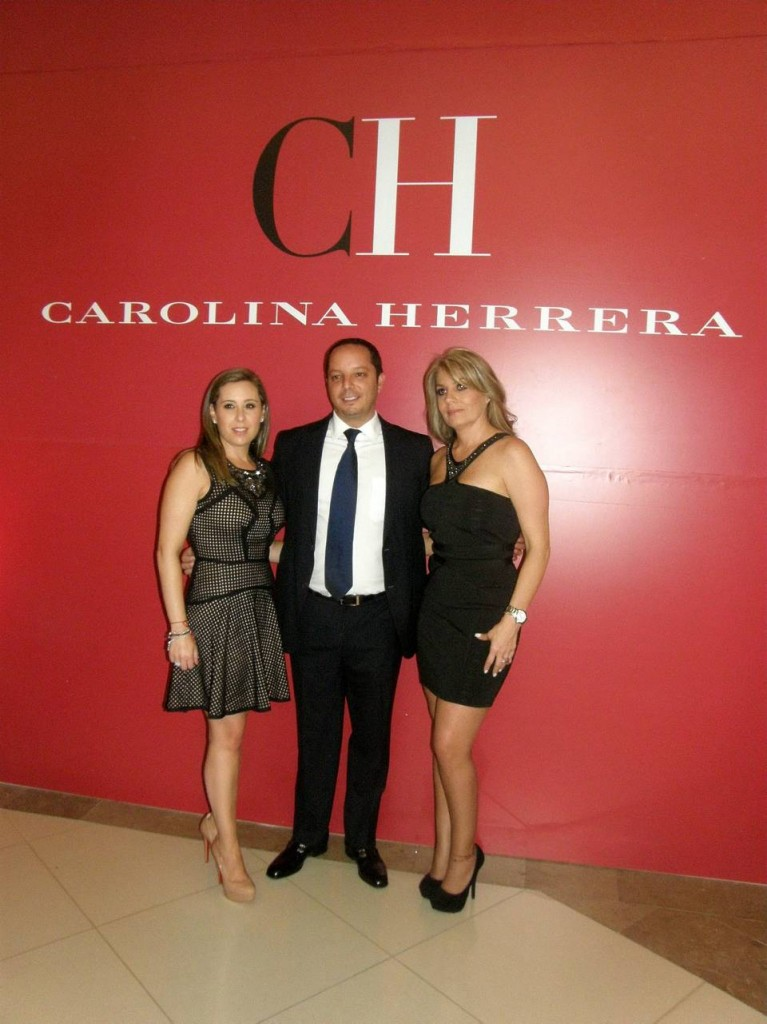 Johanna Bursztyn, directora de mercadeo de Carolina Herrera; Alan Bursztyn, gerente general de Carolina Herrera Colombia, y Olga Lucía Restrepo, Brand Management de Carolina Herrera.  - Liliana Vaga /GENTE DE CAÑAVERAL