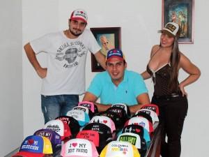 Estos jóvenes el apostaron a un nuevo proyecto, la personalización de gorras.