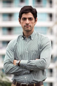 John González trabaja en la compra y venta de finca raíz hace cinco años